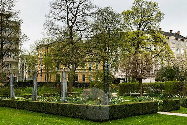 Europe, Germany, Bavaria, Rosenheim - Riedergarten park