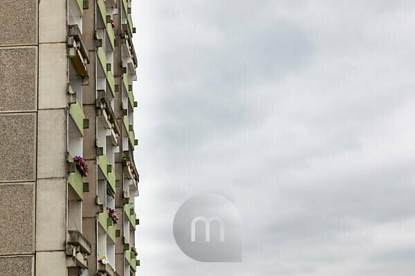 Germany, Mecklenburg-Western Pomerania, Schwerin, Dreesch, prefabricated housing estate, balconies on skyscraper