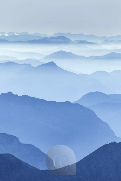 View from the summit of the Hocheck (2651 m) of the surrounding mountains, Ramsau, Berchtesgadener Land, Upper Bavaria, Bavaria, southern Germany, Germany, Europe