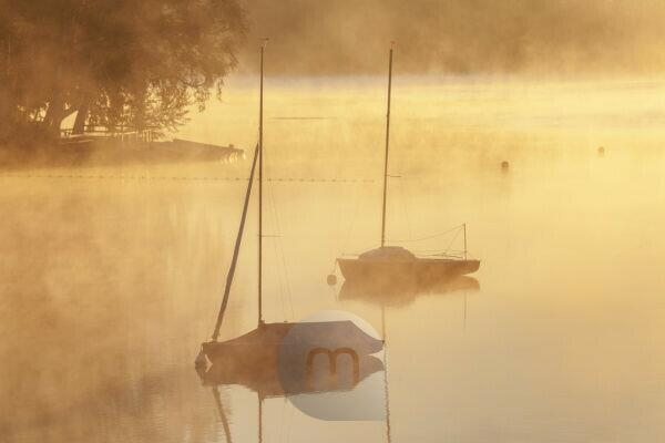 Sunrise at Lake Staffelsee, Uffing am Staffelsee, Upper Bavaria, Bavaria, Southern Germany, Germany, Europe