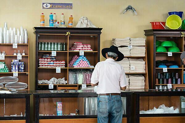 Kuba, Cienfuegos, Laden, Haushaltswaren