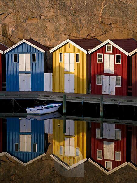 Schweden, Bohus, Westküste, Kattegat, bunte Bootshäuser in Smögen