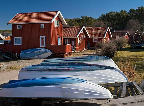 Schweden, Bohus, Westküste, Kattegat, rote Bootshäuser in Fjällbacka