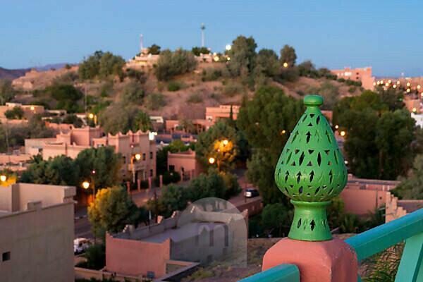 Marokko, Hoher Atlas, Ouarzazate, blaue Stunde, Zaun, Verzierung