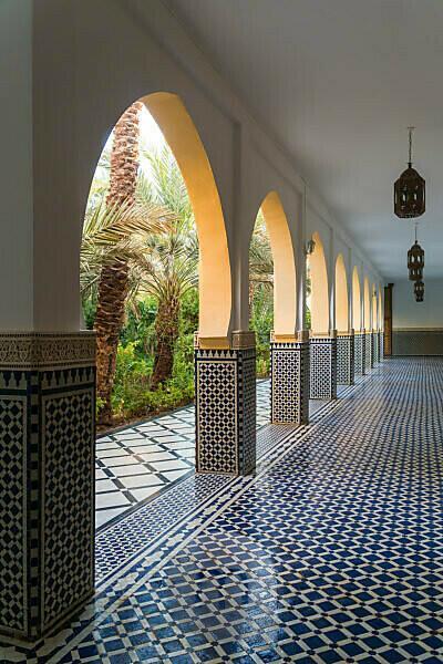 Marokko, Rissani, Mausoleum Moulay Cherif, Kolonnadengang