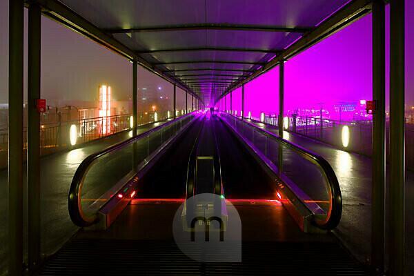 Phaeno, Museum, Science Center, Zaha Hadid, Evening, Pedestrian Bridge, Architecture, Wolfsburg, Lower Saxony, Germany, Europe