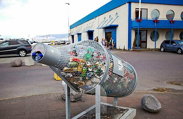 Mülleimer; Hafen; Stadt; Island; Reykjavik