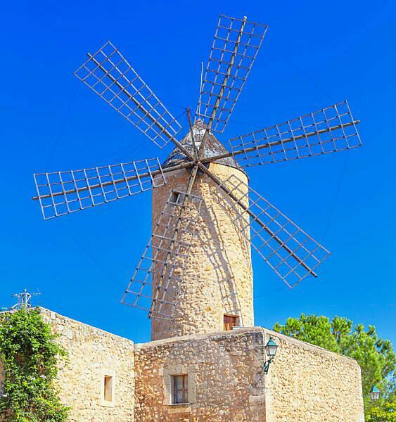 Traditional wiindmill, Sineu, Mallorca,, Balearic Islands, Spain, Europe