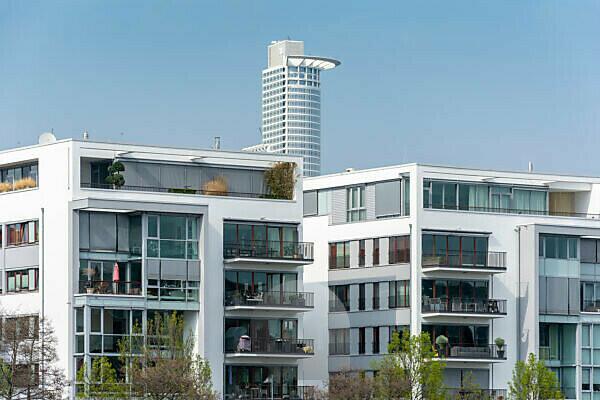 Germany, Hesse, Frankfurt, houses line at the Speicherstraße.