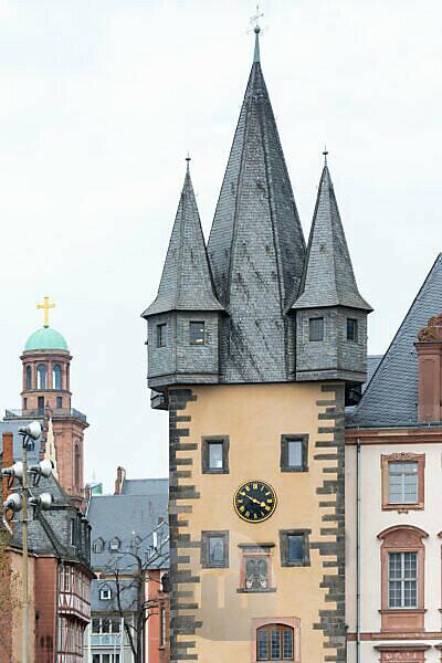 Deutschland, Hessen, Frankfurt, der Rententurm ein spätgotischer Torturm der ehemaligen Stadtbefestigung. Teil des Saalhofs.
