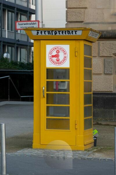 Germany, Hesse, Frankfurt, public telephone at Schaumainkai.