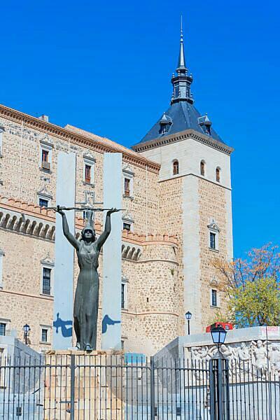Alcazar and Statue of Peace, Toledo, UNESCO World Heritage Site, Castilla La Mancha, Spain