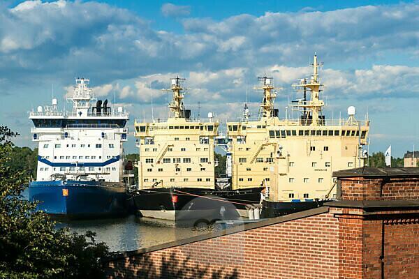 Helsinki, harbor, marine park, icebreaker, Katajanokka Icebreaker Base