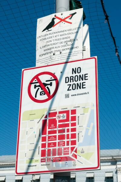 Helsinki, information sign: drone-free zone