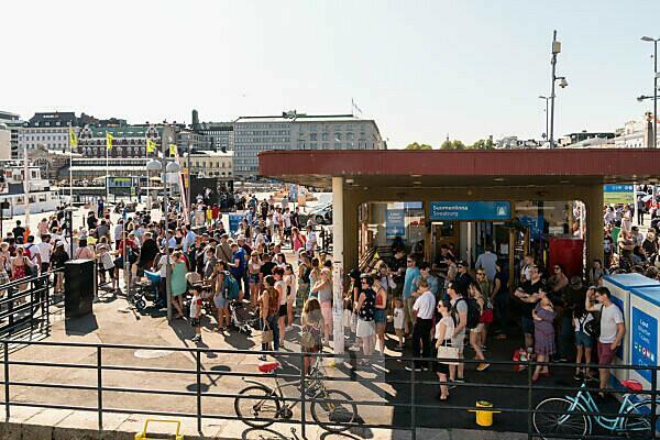 Helsinki, ferry terminal, visitor rush