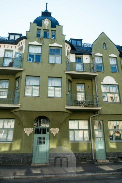 Helsinki, Art Nouveau architecture in the district of Eira, Juvilakatu, bay and balconies