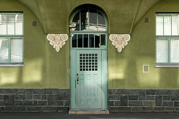 Helsinki, Art Nouveau architecture in the Eira district, Juvilakatu, front door