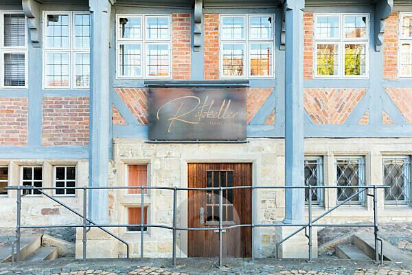 Ratskeller, house facade, front door, window, half-timbered house, Wolfenbüttel, Lower Saxony, Germany, Europe