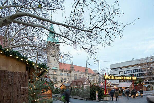 Town Hall, Platz der Deutschen Einheit, Christmas Market, Braunschweig, Lower Saxony, Germany, Europe