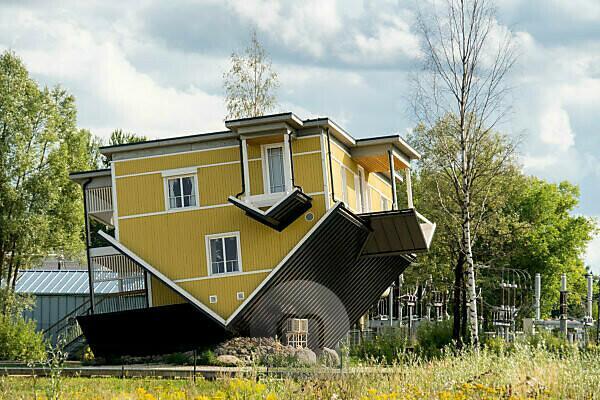Estonia, Tartu, Tagurpidi Maja, upside down house