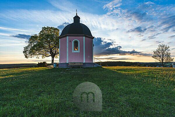 Kapelle, Sonnenuntergang, Alter Berg, Böttingen, Tuttlingen, Baden-Württemberg, Deutschland, Europa
