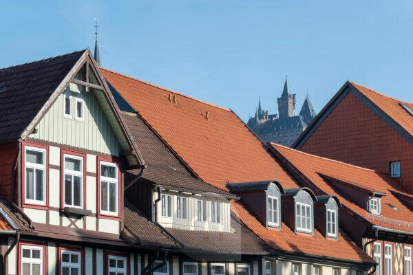 Germany, Saxony-Anhalt, Wernigerode, view of the castle, red roofs, workshop houses, Wernigerode, Harz.