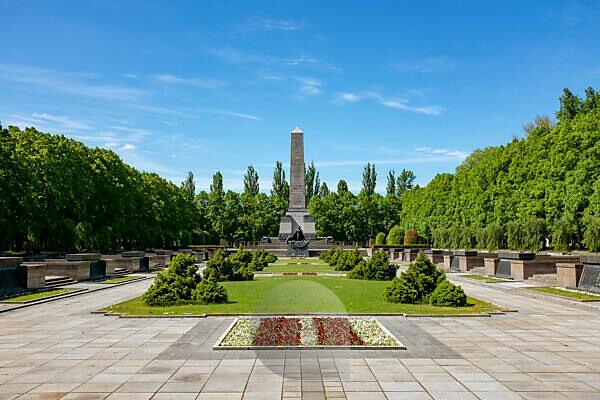 Soviet memorial, Schönholzer Heide, Pankow, Berlin
