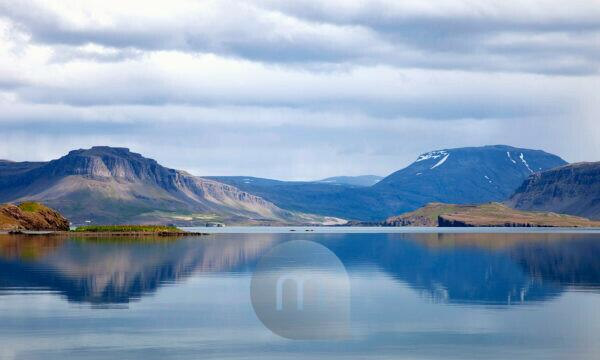 Hvalfjordur, Whale fjord, Mountains, water, Iceland, Europe