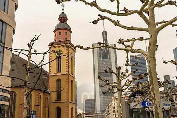 Europe, Germany, Hesse, Frankfurt, street scene in downtown Frankfurt