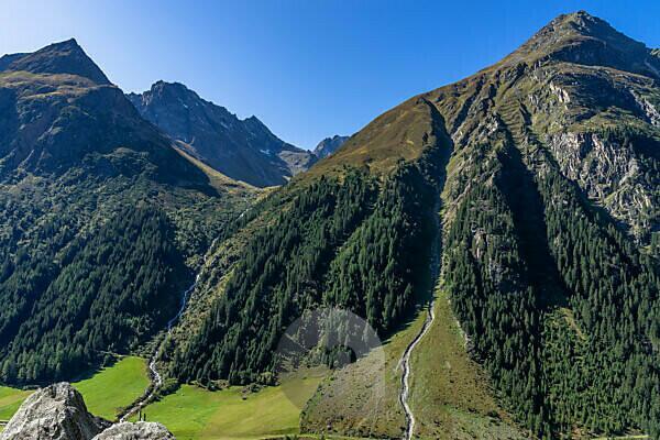 Europa, Österreich, Tirol, Ötztaler Alpen, Pitztal, Piösmes, Rüsselsheimer Hütte, Blick in das Plangeroß Tal und auf die umliegenden Gipfel