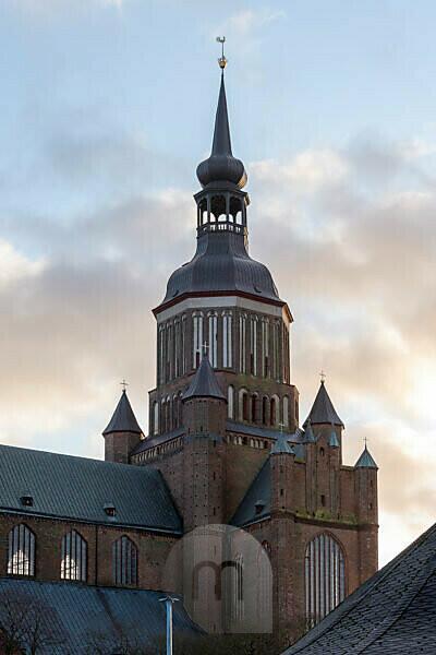 Germany, Mecklenburg-West Pomerania, Stralsund, St. Marienkirche, three-aisled church