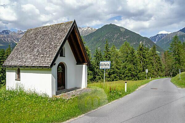 Europe, Austria, Tyrol, Ötztal Alps, Ötztal, outskirts of Köfels on the Ötztaler Urweg